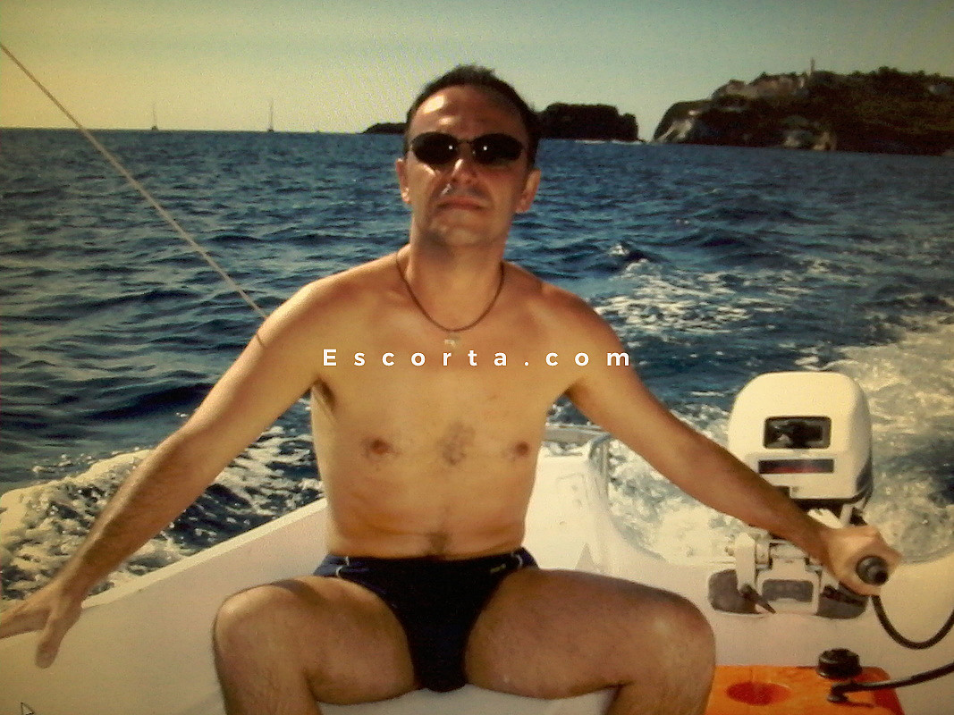 men boy gay escort lusso modena