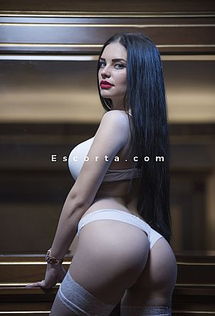 Emma - Girl escort in Bari