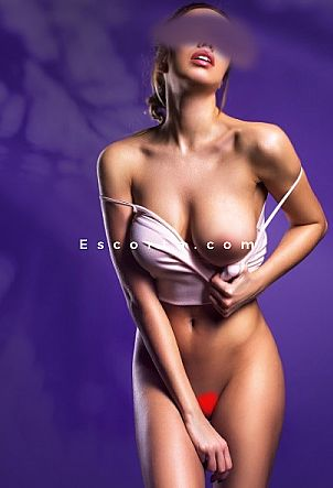 Gloria - Girl escort Milano