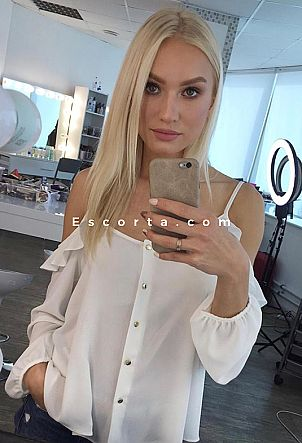 Kristina VIDEO CHAT - Donna cerca uomo escort Torino